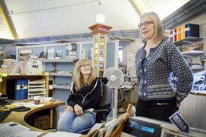 Eva Gunnholt och Anneli Åman kommer att sakna lokalerna, men tror ändå att det bästa sättet för Krokom är att arbeta med en ny turiststrategi.
