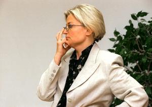 Anna Lind kunde ofta avdramatisera politiken med mild humor.