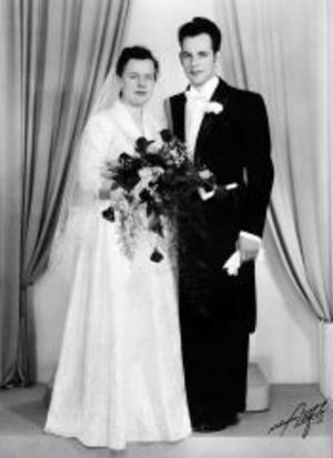 Den 19 juni firade Lise-Lotte, född Lindholm, och Kaj Mortensén, femtioårig bröllopsdag.De vigdes i Sköns kyrka den 19 juni 1955. Paret är bosatta i Bydalen, Sundsvall.