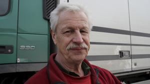 Lennart Engblom, som kört lastbil i 30 år, håller med om att de västmanländska vägarna är i gott skick.