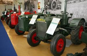 Ny epok. 1932 slogs Munktells ihop med Bolinder och en ny industriepok började. Namnet Bolinder-Munktell kom under decennier att förknippas med traktorer. Och de står i rader på museet                     i Eskilstuna.