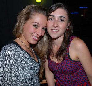 Blue Moon Bar. Alex och Celia