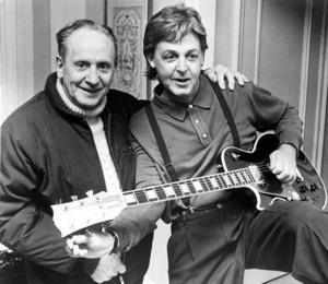 BORTA. Les Paul avled på ett sjukhus i New York i komplikationer efter en lunginflammation.