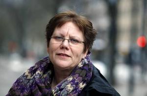 Berättar oftare i dag. Skammen har blivit lägre, upplever Lotta Fridholm, på kvinnojouren Blåklockan.