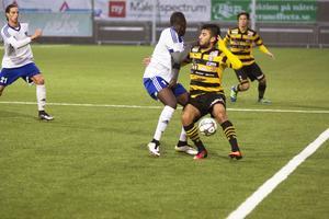 Ali Sheikomar, här i Skiljebo SK i en match mot IFK Västerås. Hela fyra mål blev det för Sheikomar.