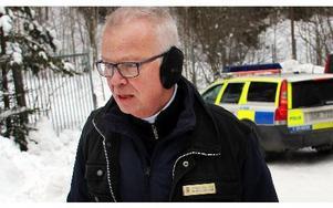 Var det fejkpoliser var det även en fejk-kriminaltekniker. Spelad av Martin Lindgren, Ludvika, vars statistroll fick mer skådespelarkaraktär.