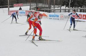 Emma Thalin och Emma Backén, båda 17 år, gjorde en fin debut i senior-SM. Deras insats räckte till en final i sprintstafetten.