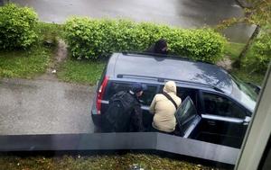 1 juni 2015. Säpo slår till mot en bostad i Vivalla. En 45-årig man anhålls misstänkt för rekrytering till terrorism.