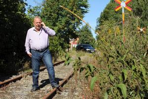 Rune Algulin, på NCC Ballast, hoppas att godståg ska börja rulla genom Kärrgruvan igen. Men först krävs det att järnvägen anpassas för tyngre trafik än i dag. Hur en upprustning kan finansieras väntas diskuteras på ett möte om ett par veckor.