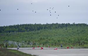 Under de år det gått att köra på Flygstaden så är det bara en bil som gjort en praktvurpa. Området är öppet och några kollisioner med träd eller föremål skulle vara svårt att lyckas med.– Känner man att det håller på att gå åt helskotta kan man köra rakt fram, säger Ulf Svensson.