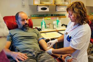 Trogen givare. Michael Bäck lämnar blod för fyrtionionde gången.