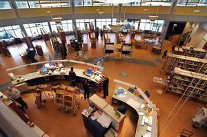 Två tisdagkvällar under våren arrangeras författarkvällar på Bollnäs bibliotek.