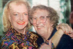 Alice Timander och PRO:s dåvarande ordförande i Strömsund, Gunvor Johansson, fann varandra.