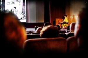 John Beck spelade piano till en Charlie Chaplinfilm.