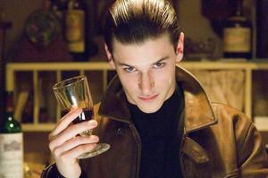 Gaspard Ulliel som den unge Hannibal gör filmens bästa rolltolkning, anser tidningens recensent.