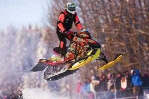 Johan Eriksson, Walles, flög fram mot andraplatsen i Stock-klassen i sin 22:a start i Arctic Cat Cup, den 44:e upplagan av Europas största skotercrosstävling.