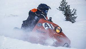 Mikael Karlsson en av storfavoriterna fick tyvärr aldrig slutföra sitt heat, för skotern skar. Foto: Olof Sjödin