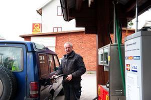 Börje Svensson hoppas snart att kunna återuppta försäljningen av bensin och diesel i Sågmyra