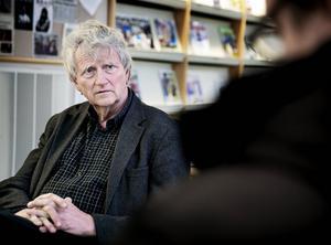 Tillförordnade kommunchefen Åke Sandberg vill inte svara på om det finns ett misstroende mot Stina Stenberg.