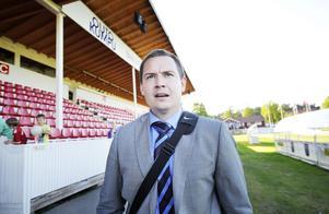 Mini-comeback. Kalle Granath fick sparken av VSK i somras. Nu är han tillbaka i Västeråsfotbollen – och hjälper IFK Västerås.