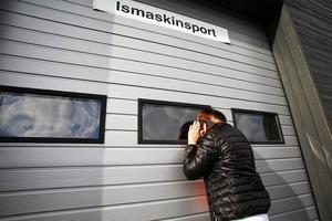 Ännu är ingen på plats med den 26 april öppnas porten för baklucke- och släploppis på ishallen i Sveg.
