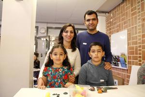 Zozan Khalil, med maken Khalil Khalil och barnen Aryana och Berhan.