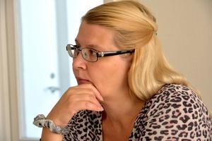 Tuija Wiklund har arbetat ideellt som volontär för att hjälpa EU-migranter i Sundsvall. Nu slutar hon efter att ha blivit hotad.