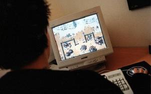 Nio av tio barn och ungdomar spelar data- eller TV-spel. Foto: Fredrik Sandberg / SCANPIX