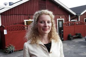 Det är Anna Littorins första gång som skådespelare på Mellanfjärdsteatern, hon trivs jättebra och hon hoppas få komma tillbaka fler gånger.