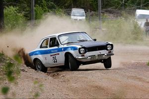 Fredrik Strandin, JMK i sin Ford Escort, vann 2WD B och C-förare.