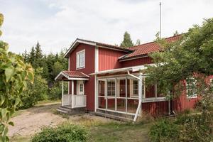 Huset i Årby var populärt på Hemnet i Hallstahammar förra veckan. Foto: Svensk Fastighetsförmedling