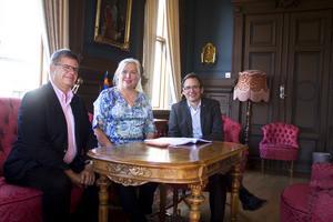 Sven-Erik Lindestam (S), Ingela Bendrot och Peder Björk (S) för Nya ostkustbanan.