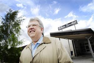 Janne Ohlsson, ordförande i Arbrå HK, vill vända sporthallen ryggen och spana mot en ny arena med de rätta måtten.