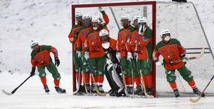 ÖBS tog första poängen för säsongen när laget kryssade mot topplaget Broberg U på bortaplan.