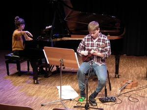 Pianisten Isabell Gustafsson-Ny och gitarristen Jesper Nielsen framträdde i Västerås konserthus i lördags med uruppförandet av Rosanna Gunnarssons verk