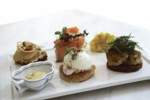 Royal Cafe i Köpenhamn serverar smörrebröd i miniformat.