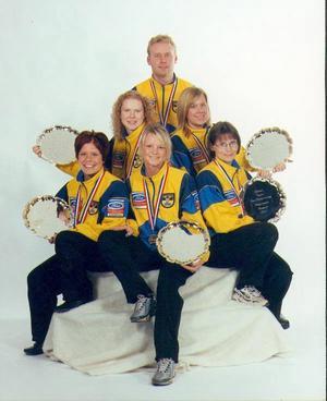 Våren 2002 spelade det här Sveglaget VM i Kanada – och de kom återigen hem med ett silver. Förutom Maria och Margaretha Sigfridsson spelade Annette Jörnlind och Anna-Kari Lindholm i laget. Reserv var Ulrika Bergman.