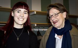 """Laddar inför valet. Josefin Wallerström bjöd in sin förebild Gudrun Schyman till Västerås. """"Vi vill skapa en feministisk plattform för unga, säger Josefin."""""""