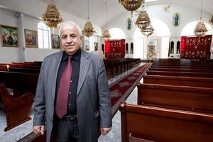 """Få grupper har likt assyrier/syrianerna etablerat sig så snabbt i Sverige. """"Den nationella identiteten är något vi är väldigt stolta över"""", säger Halef Halef och visar LT S:t Petrus och Paulus vackra kyrka i i Hallunda som byggdes på otroliga två år."""