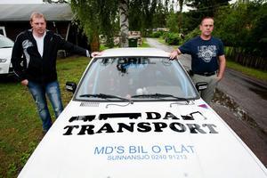 Peter Johansson var co-driver (kartläsare) åt Peter Sjögren under Midnattssolsrallyt. Det gick riktigt bra för Sunnansjöborna, tills de var tvungna att bryta på grund av att motorn knackade.