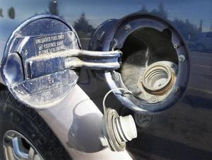 Fem greps för slangning av diesel.