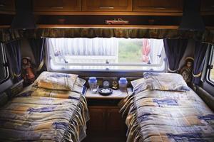 Ing-Marie Ryman hade aldrig trott att hon skulle längta ut till campingen, hon hade för mycket fördomar i början, men nu stortrivs hon med husvagnslivet.