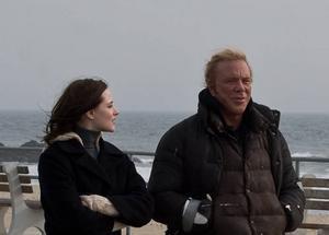 Evan Rachel Wood och Mickey Rourke som far och dotter i ett försök till försoning.Foto: Nonstop entertainment