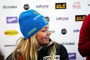 Frida Hansdotter försvarade ledarvästen i damernas slalomcup med sin tredjeplats.