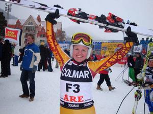 Sandra Jakobsson var en glad föråkare i störtloppet.Foto: Björn Bostrand