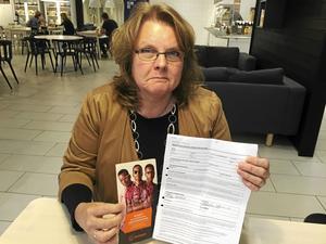 Carina Sers insåg inte att hon skrev på ett hyresavtal. Därför ville hon varna andra för att skriva på avtal när man är stressad. Men nu river Synsam kontraktet.
