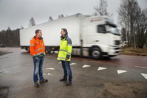 Peabsplatschef Lars Pettersson och Stefan Tångring, projektledare Trafikverket, harvarit på plats konstaterar att många trafikanter inte gållerhastighetsbegränsningen på sträckan.