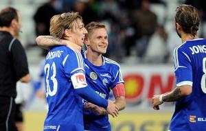 Emil Forsberg och Ari Skúlason i GIF-tröjorna. Nu är de båda i EM.