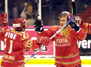 En bild från säsongen 2003/04. Säsongen när Håkan Bogg var med och skrev historia med Mora.