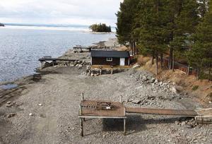 I går onsdag var Storsjöns vattenstånd 290,93 meter över havet. Det syns tydligt efter Storsjöns stränder att vattenståndet år lågt.